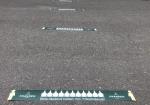 Abstand halten: Bodenaufkleber für Corona zur Wahrung des Mindestabstands